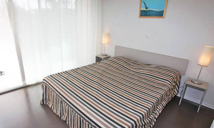 Chambre avec lit double t2 cabine résidence plage centrale
