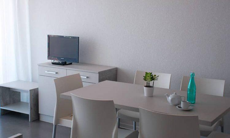 Salle à manger t2 cabine résidence plage centrale