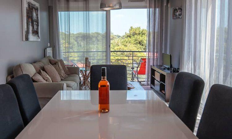 Salle à manger t3 luxe résidence plage centrale